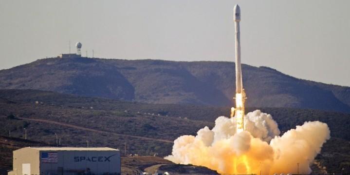 จรวด Falcon 9