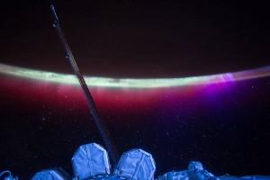 ภาพยามเช้าและแสงออโรร่า สถานีอวกาศนานาชาติ iss