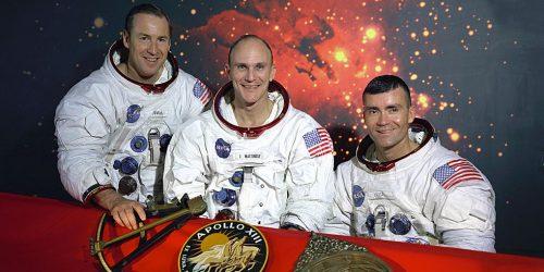 นักบินอวกาศในยานอะพอลโล 13