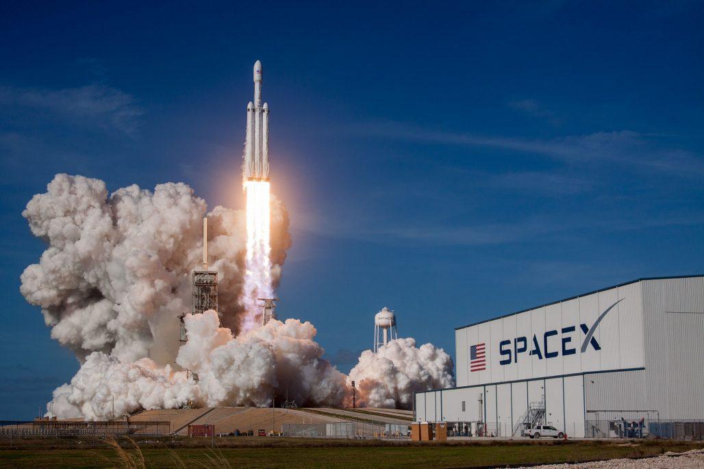 จรวด falcon heavy ของ spaceX