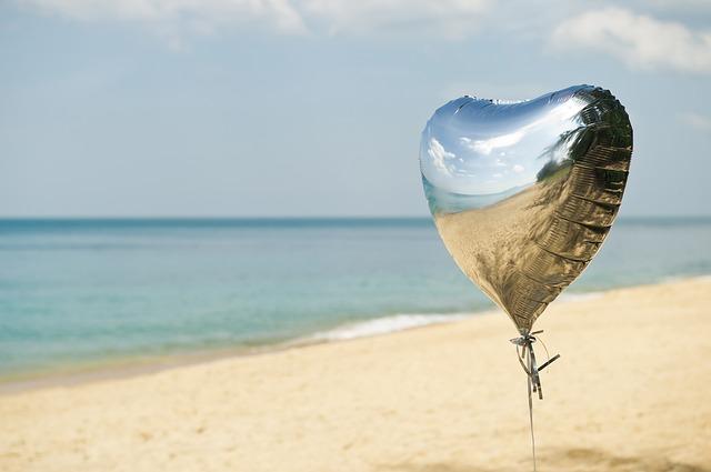 ลูกโป่งบรรจุแก๊ส Helium