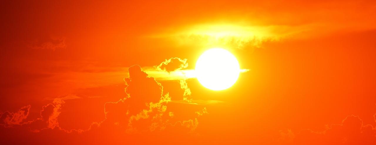 ผลึกสีฟ้าจากอุกกาบาตโบราณทำให้ทราบว่าดวงอาทิตย์ก่อนเกิดเป็นอย่างไร 2