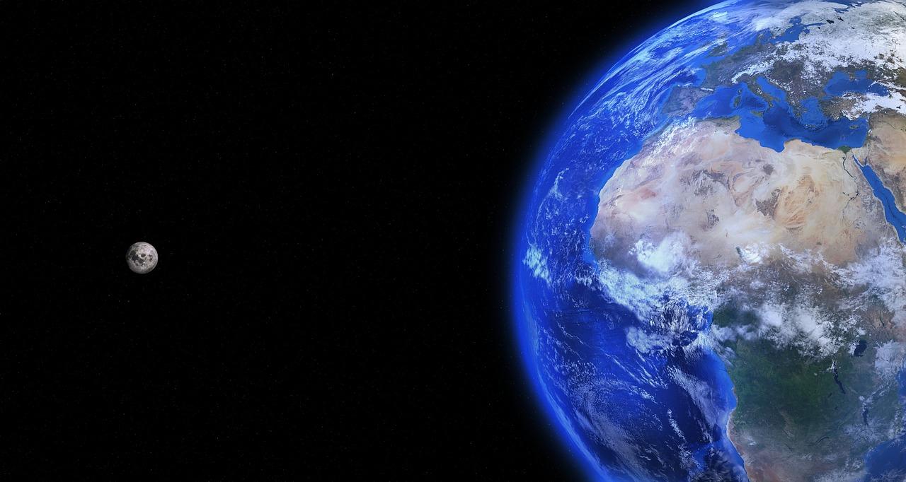 โลกและดวงจันทร์
