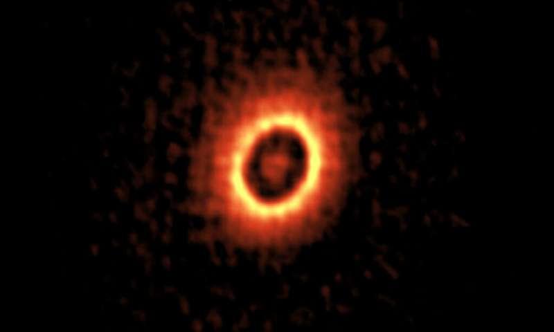 กล้องโทรทรรศน์ ALMA ตรวจพบดาวฤกษ์ที่เชื่อว่ามีสภาพแวดล้อมคล้ายกับระบบสุริยะของเราในอดีต 1